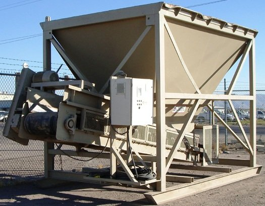 Reuter Equipment Bin Feeder